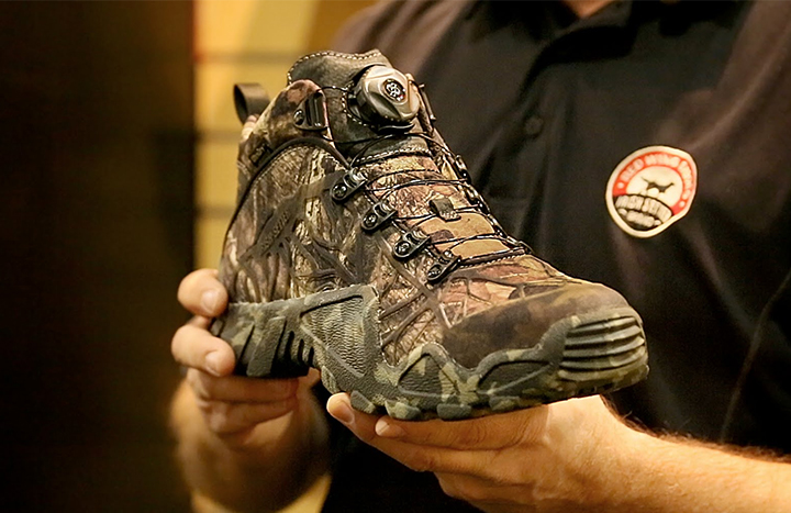Top 10 Best Men's Hunting Shoes for Cold Weather of 2018 Review