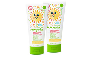 Top 10 Safest Sunscreens for Kids of (2021) Review