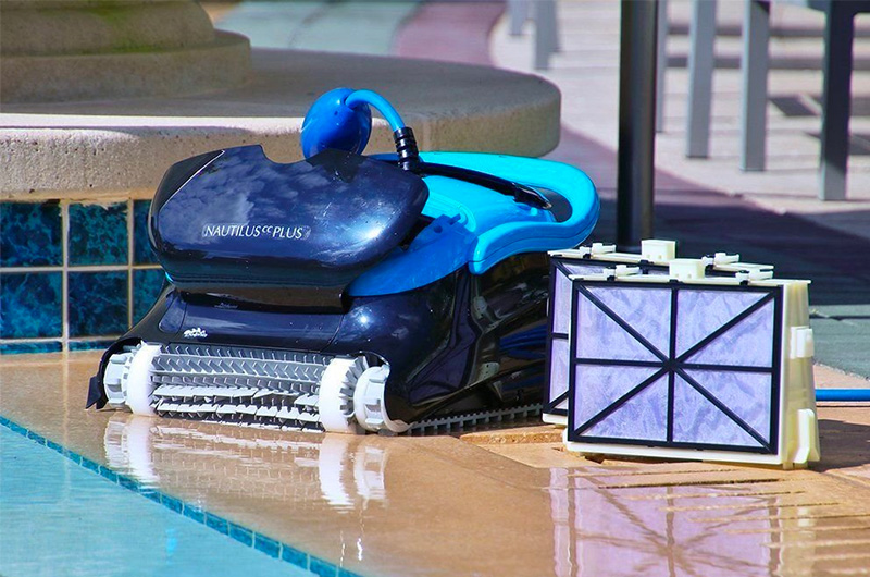 The 10 Best Robotic Pool Cleaner of (2019) Review