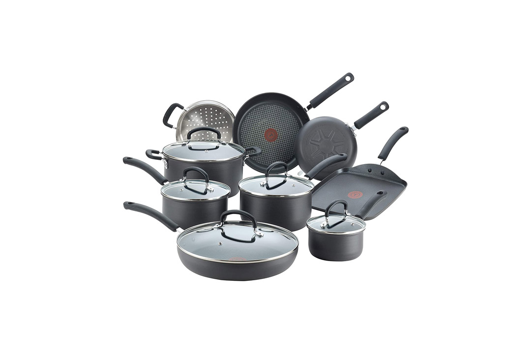 T-fal E765SE Ultimate Hard Anodized Scratch Resistant Titanium Cookware Set